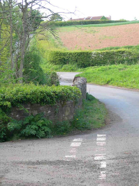 Road junctions and Alemill Farm at top of hill