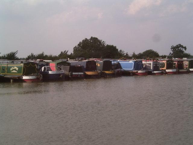 Boats in Stoke Golding Marina