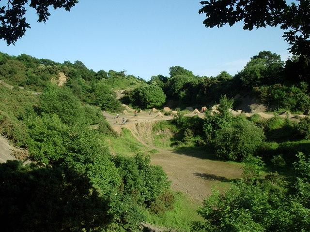 Cliff rig quarry