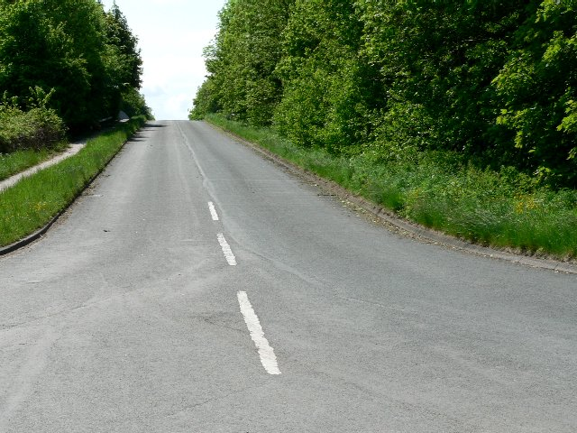 Road from Sandholme Landing to Newport over the M62