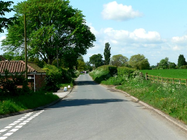 Road to Sandholme from Sandholme Landing