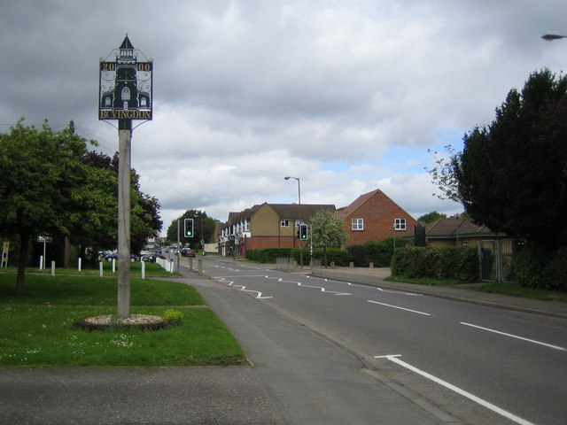 Bovingdon: Millennium Village Sign