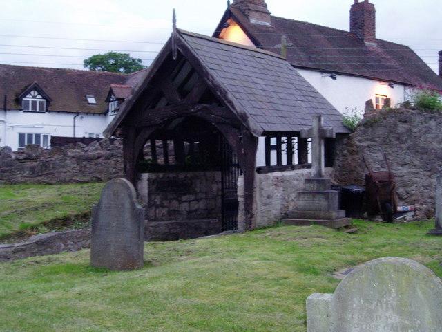 Lych Gate, Llanfwrog