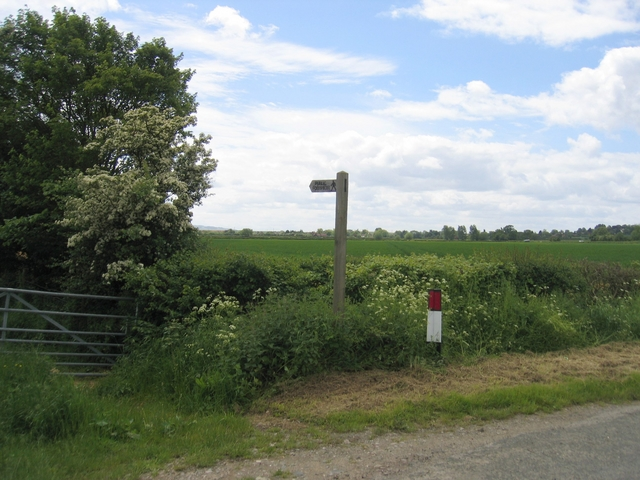 Footpath to Broad Marston