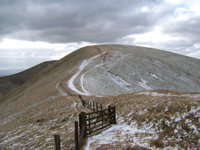 The narrow col leading to East Mount Lowther
