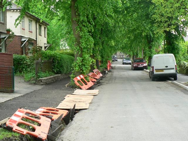 Roadworks in Cragg Avenue, Horsforth