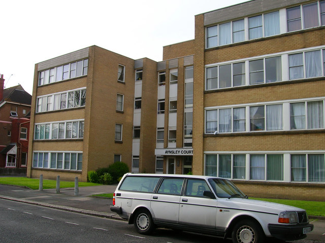 Aynsley Court, Wilbury Avenue