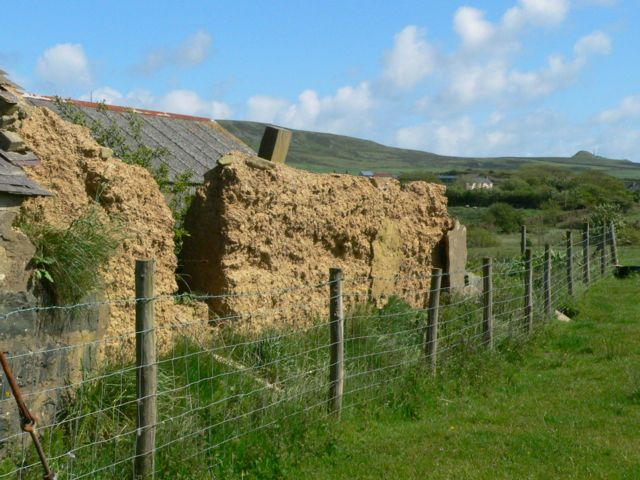 The Remains of Pen-y-bont, a cob built building at Pen-y-groeslon.