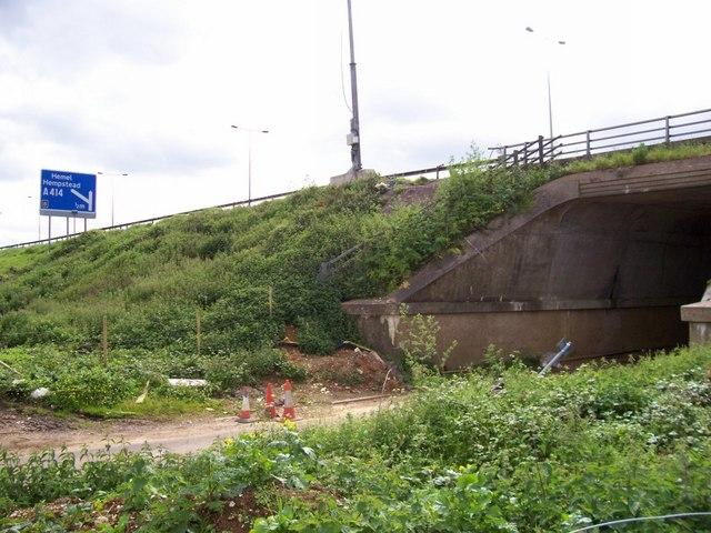 M1 crossing B road near junction 8