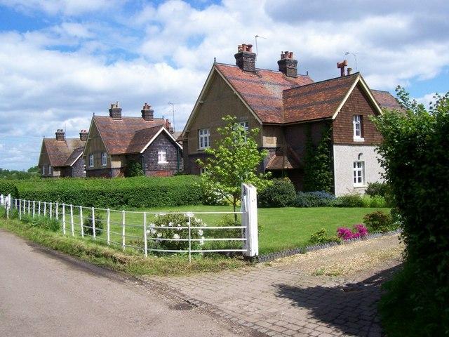 Houses near Beesonend