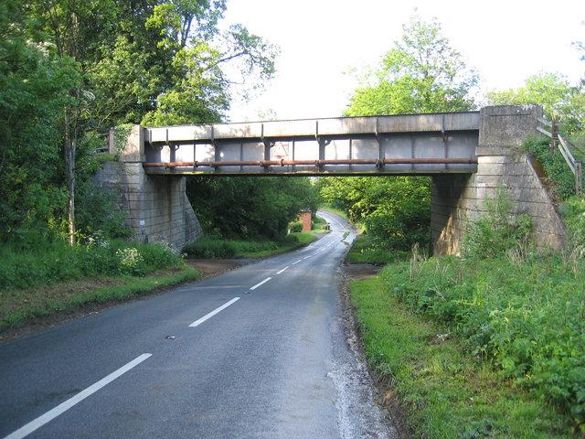 Old Worse & Worse Railway Bridge on Campden Bank