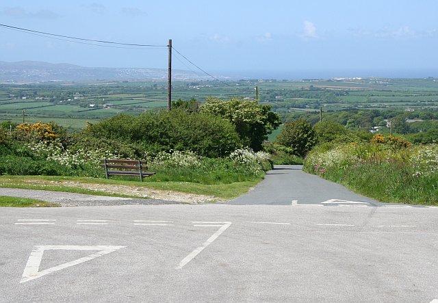 Minor Road Junction near Copper Hill