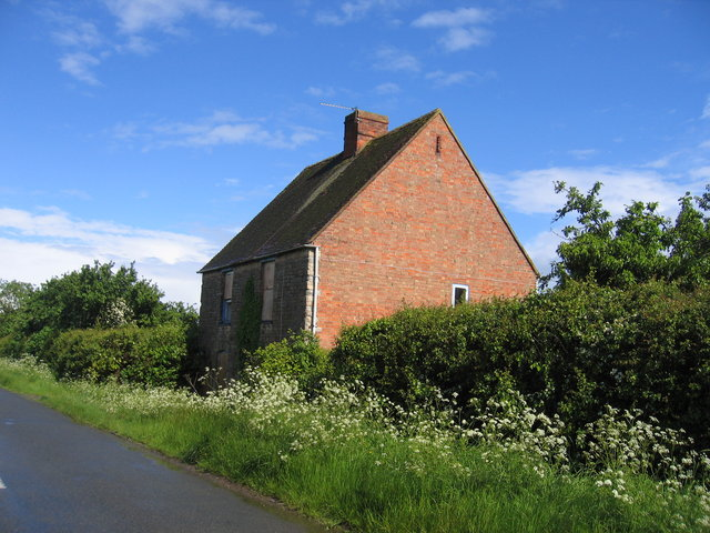 Disused cottage at Whitegates Farm