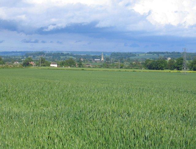View towards Darlingscott