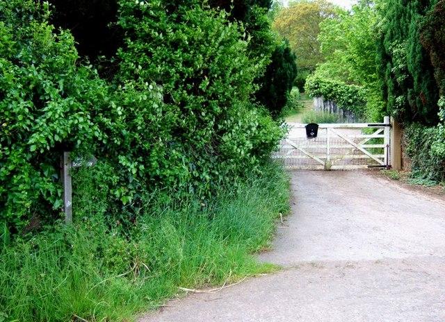Entrance to Totterdown Farm