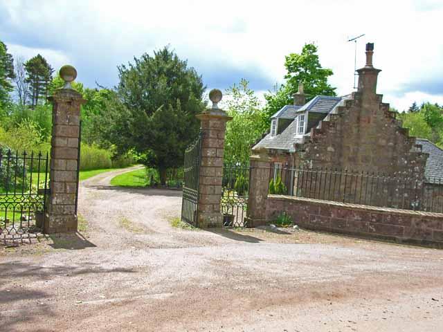 Lodge to Glenbervie House