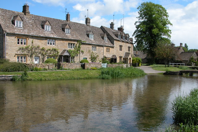 Cottages beside the River Eye, Lower Slaughter