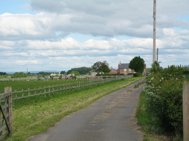 Farm Road to Burlands Farm