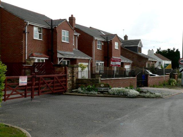 Houses where Station Lane becomes Spen Lane