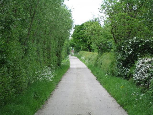 Farm Road to Longfield Grange