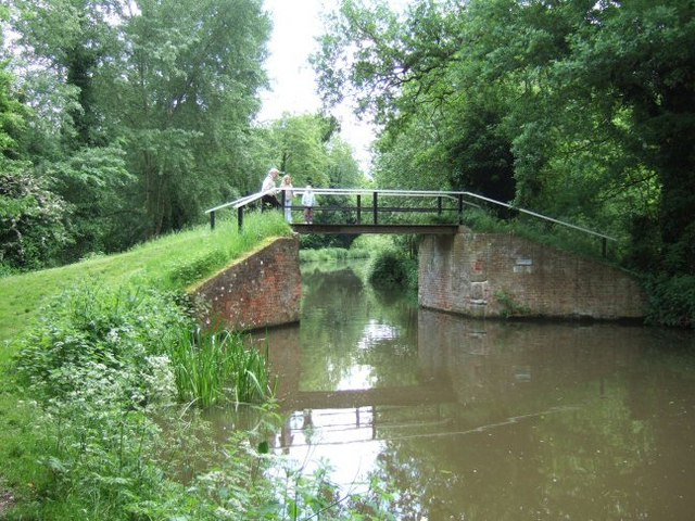 Bridge over the Wey Navigations