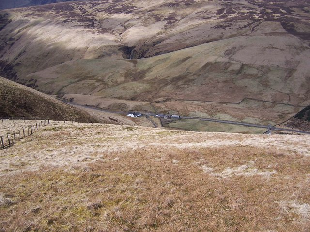 The steep descent from Herman Law to Moffat Water