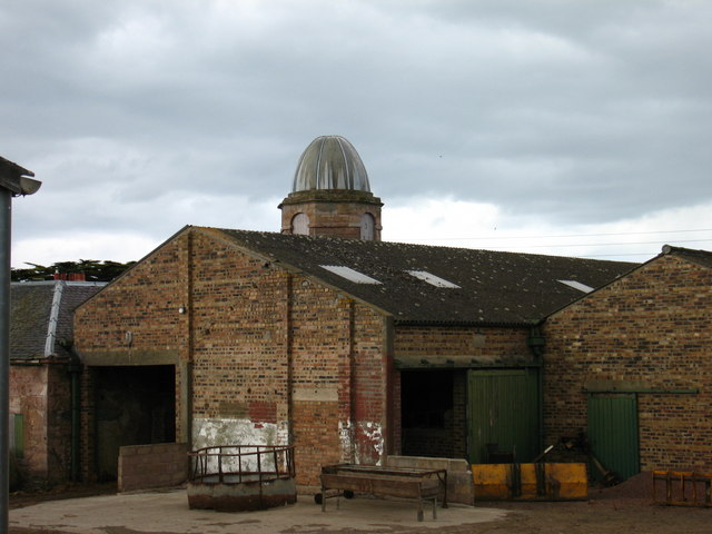 Saltoun Home Farm and Doocot