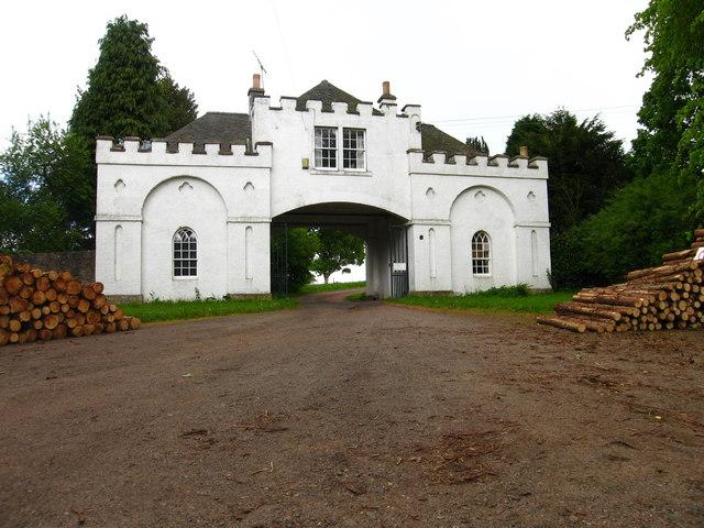 North Lodge to Saltoun Hall
