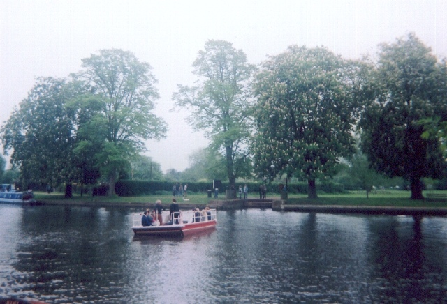Chain ferry across the river Avon