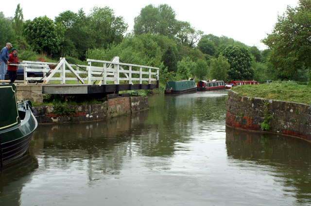 Kennet & Avon Canal, Milbrook Swing Bridge