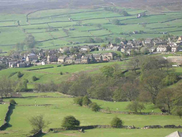 Reeth from the slopes of Fremington Edge