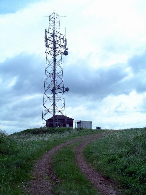 Radio relay station
