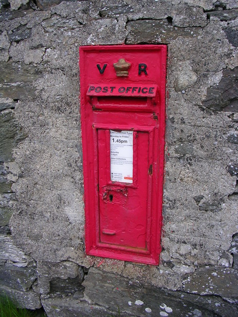 Postbox at Catacol