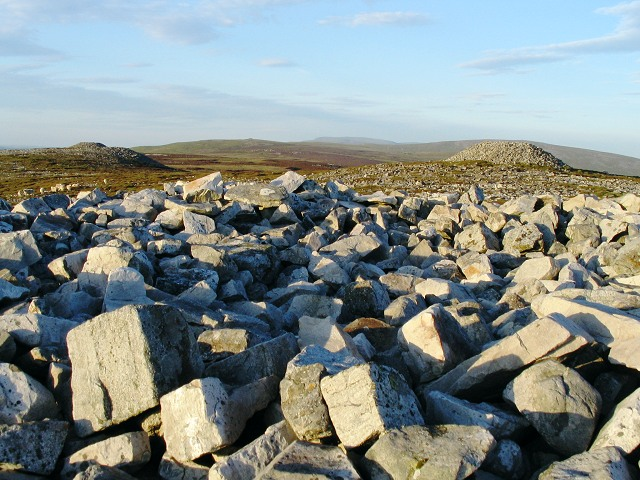 Cairns on Tair Carn Uchaf