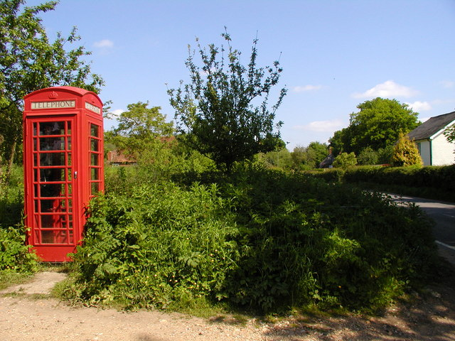 Telephone Box near Mottisfont