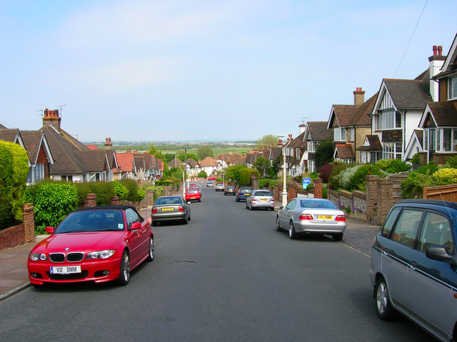 Kings Avenue, Upperton