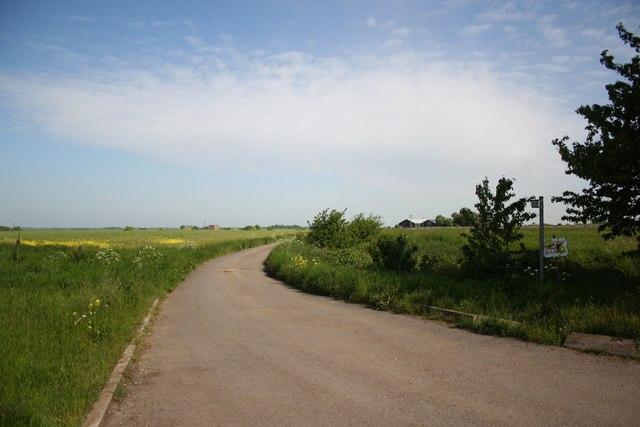 Track to Tillbridge Lane