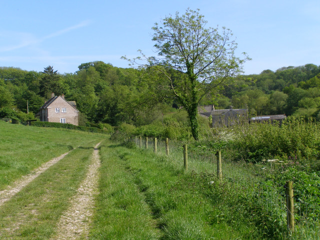 Approaching Gorwell Farm from the north