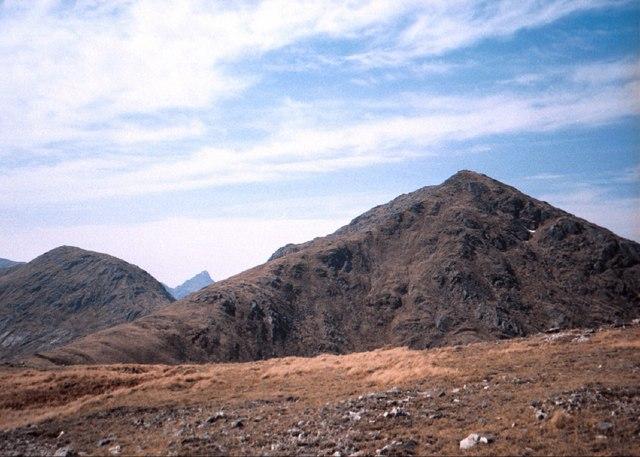 On the rolling ridge east of Sgurr Mor above Glen Kingie