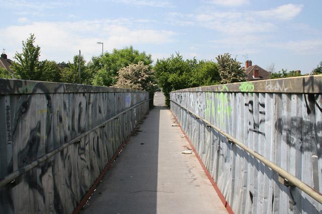 Footbridge over the railway on Aylestone Lane