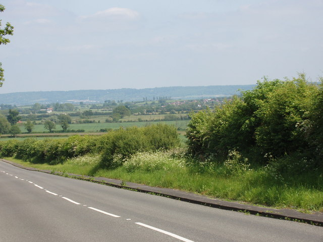 A40 road through countryside near Milton Common