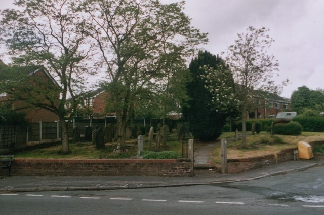 Croft, Graveyard on the corner of Lady Lane and New Lane