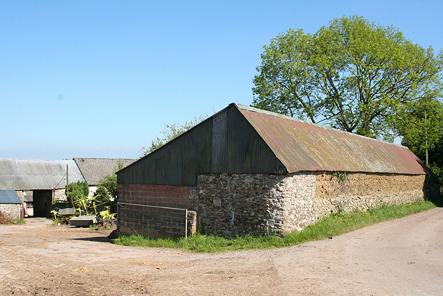 Upottery: barns at Moonhayes