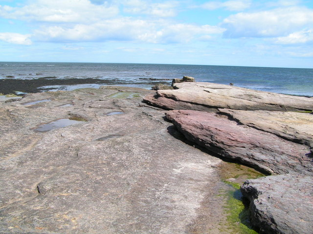 Sandstone outcrop on the foreshore at Annstead Beach