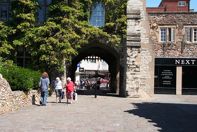 Taunton: gate under the Castle Hotel
