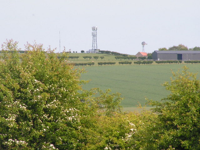 Mast on Fenham hill &Fenham Hill Farm