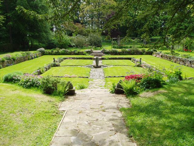 Bemersyde House Gardens