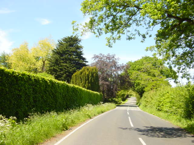 Benty Heath Lane, looking towards Raby House Farm