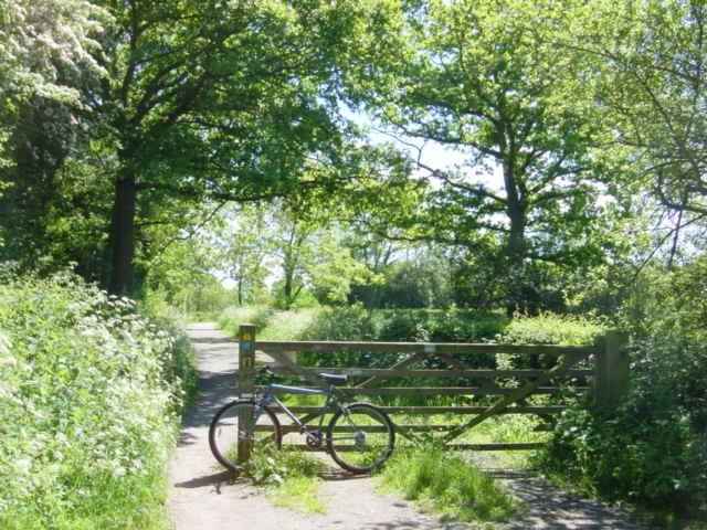 Access to Wirral Way at Heath Lane, Willaston
