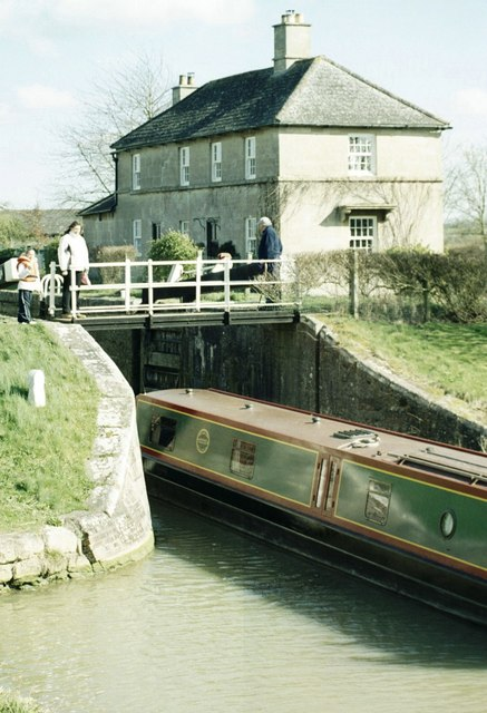Lock Keeper's Cottage on the Kennet & Avon Canal at Semington
